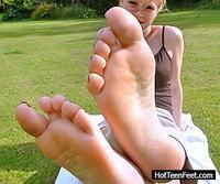 Get Inside Hot Teen Feet s2